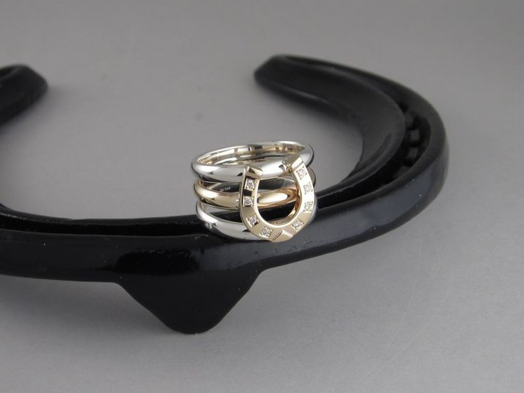 ER50a+ - Medium Two Tone Three Band Horse Shoe with Diamonds Ring – The Cambridge Collection