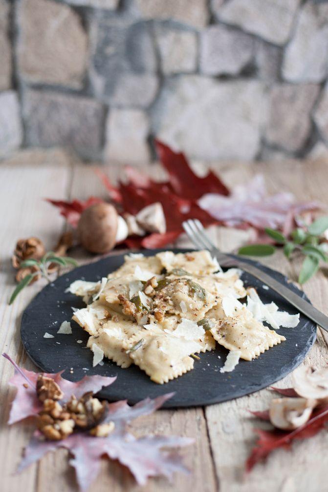 Pilzravioli (mit Steinpilz-Champignon-Ricotta-Füllung)