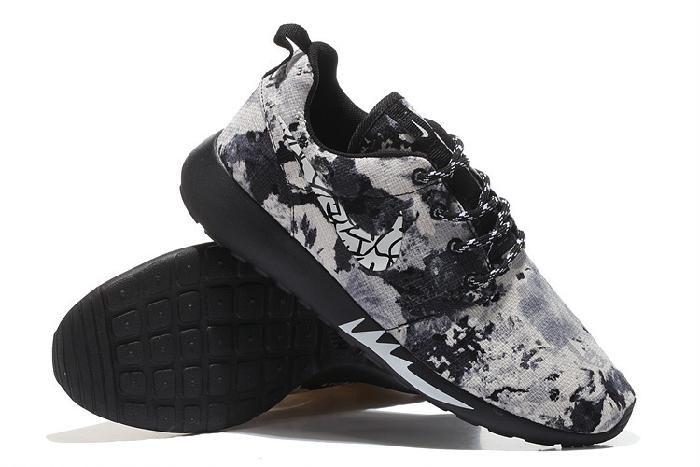 Новый Мода Nike Roshe Run Totems Print Онлайн 2015 Бежевый Белый Черный Мужская Обувь для продажи, получить дешевые Black Nike Roshe Run