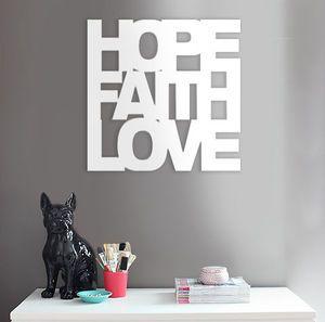 Hope Faith Love - Painel de parede em acrílico 40x40cm.  Compre agora em nossa loja virtual! #wall pannel #wall decor #love #hope #faith #white #design #minimalist #acrylic #amor #fé #esperança #decoração