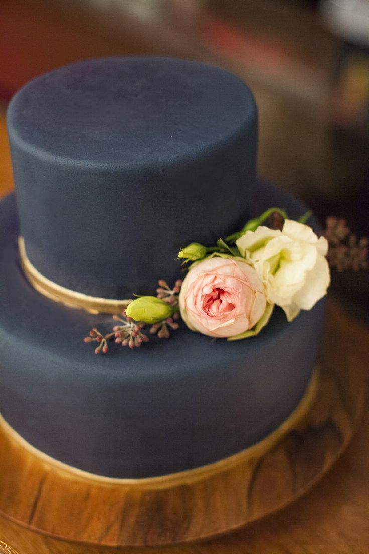 Dark Blue And Gold Wedding Theme - Dark blue and gold wedding cake | fabmood.com #weddingcake #wedding