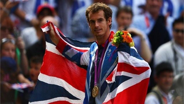 Andy Murray wins gold at Wimbledon