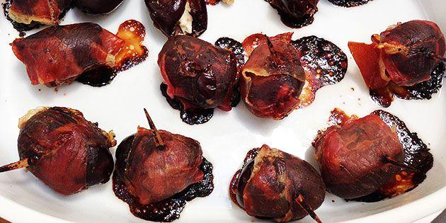 Lækre små bidder, der kombinerer de søde dadler med cremet feta og sprød parmaskine.