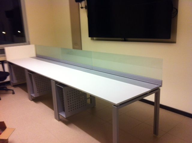 #tavolo operativo #canalizzato completo di #paretina