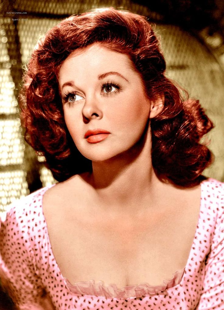Susan Hayward // Hair: red - Eyes: hazel - Height: 161 cm - Background: English, Irish, Swedish - Nationality: American