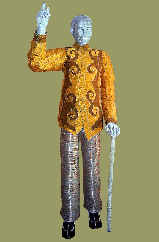 NELSON MANDELA BEADED WIRE ART SCULPTURE (LIFE SIZE)