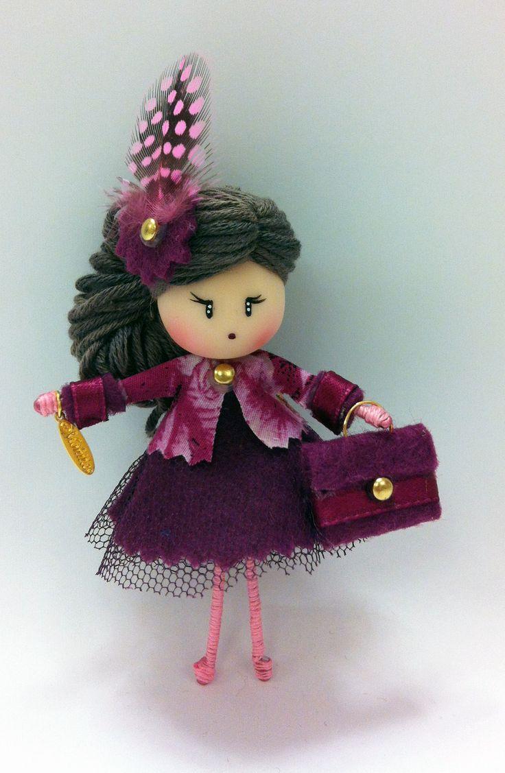 Broche muñeca Moñita. www.mischic.com