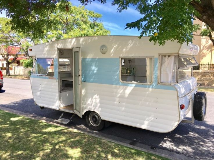VISCOUNT CARAVAN 1972 vintage retro restored Semaphore Port Adelaide Area image 2