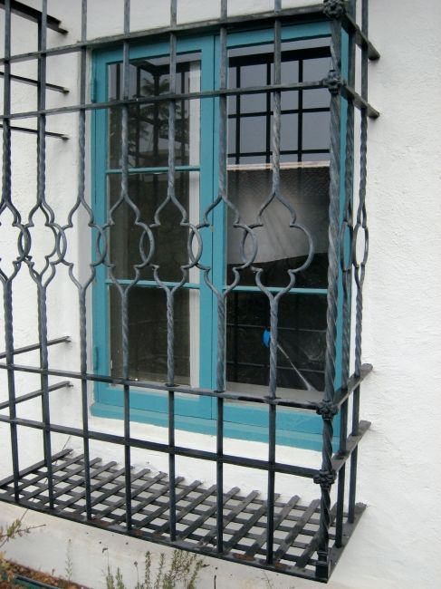 Balcony Window Grill Design: 1000+ Images About Wrought Iron Grills On Pinterest