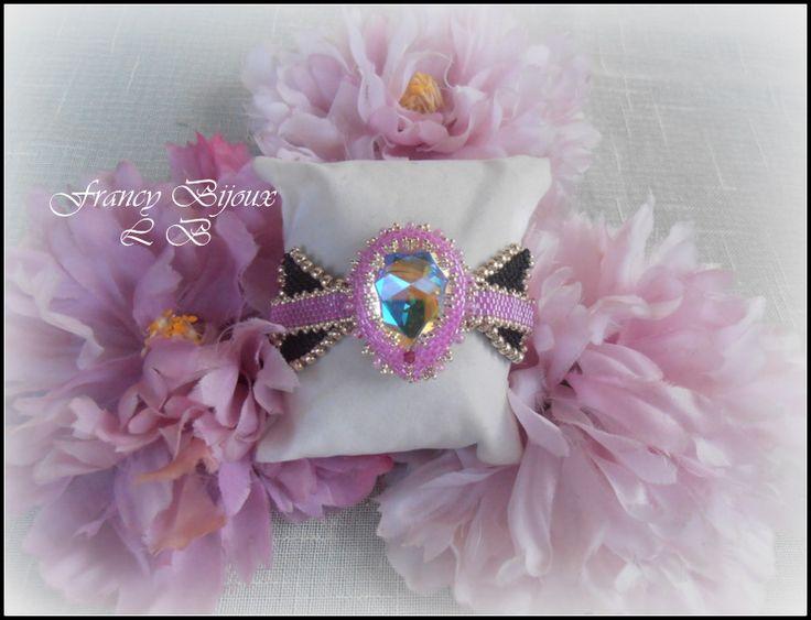 braccialetto fiocco con grande goccia incastonata con perline centrale
