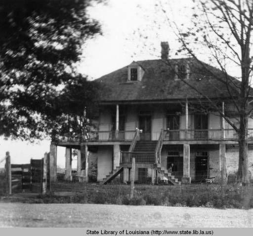 Fannie Riche House in Pointe Coupee Parish Louisiana circa 1930s :: State Library of Louisiana Historic Photograph Collection