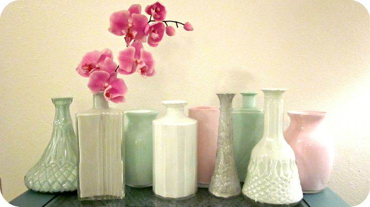 Live Gorgeously: Painted Thrift Store & Dollar Store Vases!: Living Gorgeous, Dollar Stores, Guest Bedrooms, Paintings Thrift, Paintings Vase, Thrift Stores, Old Vase, Housewarming Gifts, Stores Vase