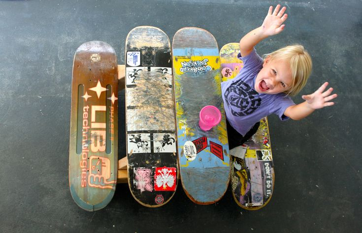 Check out these adorable pint-sized picnic tables made from recycled skateboards — PDF available for how to DIY!: Skateboard Picnic, Idea, Craft, Children S Skateboard, Picnic Tables, Picnics, Kids, Diy