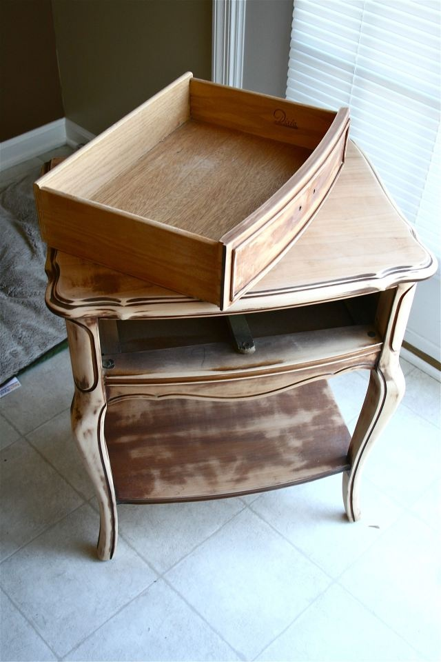 """A great """"how to"""" on sanding and repainting  furniture"""