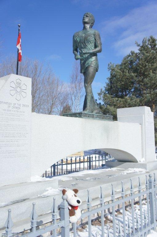 Rocco at Thunder Bay/Terry Fox monument.
