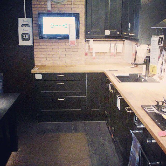 черная кухня из ИКЕА