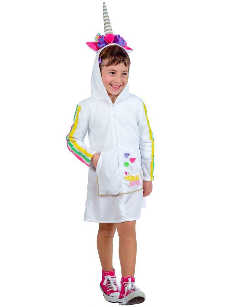 Costume unicorno Bambino: Questo costume da unicorno per bambino comprende un abito corto con cappuccio integrato.L'abito è bianco, sulla parte davanti sono presenti tre cuori e un unicorno, le maniche sono lunghe...