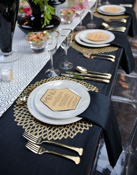 17 best ideas about gold table settings on pinterest orange special cutlery - Table nouvel an deco ...