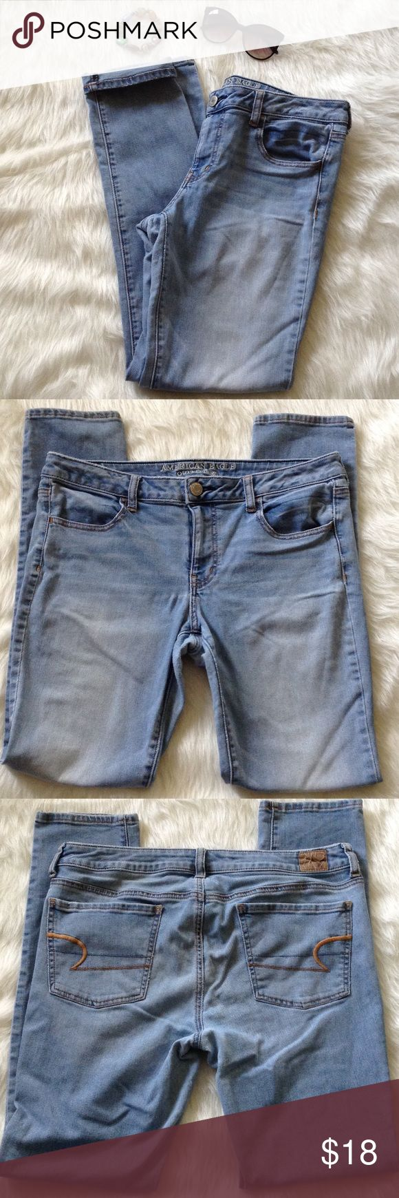"""American Eagle women's jegging jeans stretch 14L American Eagle women's jeggings. The jeggings are a size 14 long. The inseam measures 32"""". The jeggings do have some piling and a couple spots on the front. Sold as is. Smoke free home. Jeans"""