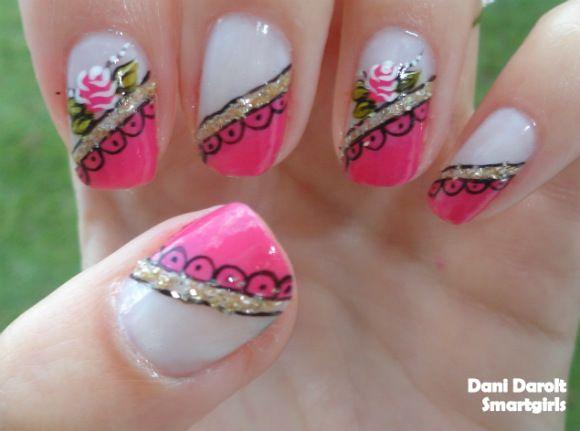 Nail Art: Decoração rosa com dourado