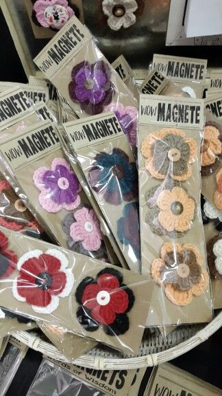Crochet Magnet Flowers made by Ronel Jordaan for Wow Design
