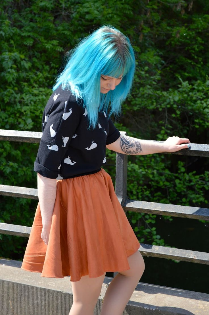 Simple cold summer outfit | Wearing: Boohoo skirt, Zara jumper