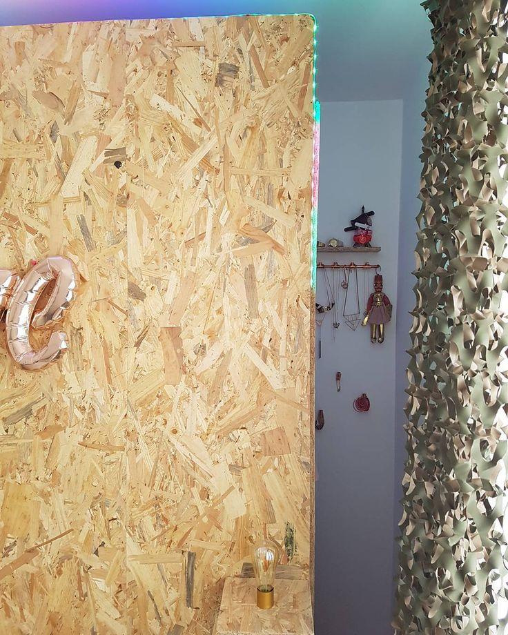 #dressing #osb #portebijoux #cuivre #led #arcenciel #rideaucamouflage #ballon #deco #decoration #madecoamoi #decochambre