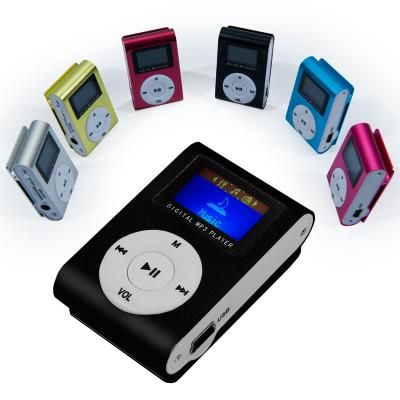 Lettore MP3 Mini  Mini lettore MP3 con memoria espandibile fino a 8 GB  Memoria espandibile fino:8GB (non inclusa) tecnologia sintonizzatore:FM Radio Tecnologia schermo:LCD Formato audio supportato :MP3 Dimensioni: 4,8 X 3,0 X 1,4 cm Lingue supportate: italiano, inglese, francese, tedesco