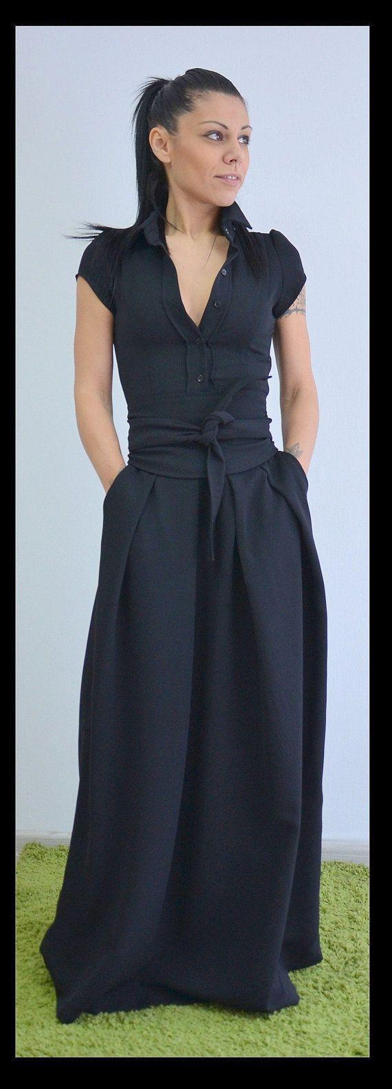 Langes schwarzes Kleid / Maxi Shirt Kleid / von ClothesByLockerRoom