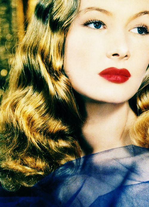 Veronica Lake in color! 1940s inspiration:: Old Hollywood:: Pin Up Girl