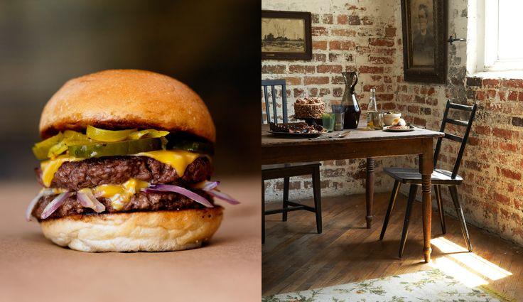 Burger_interior.jpg (1738×1004):