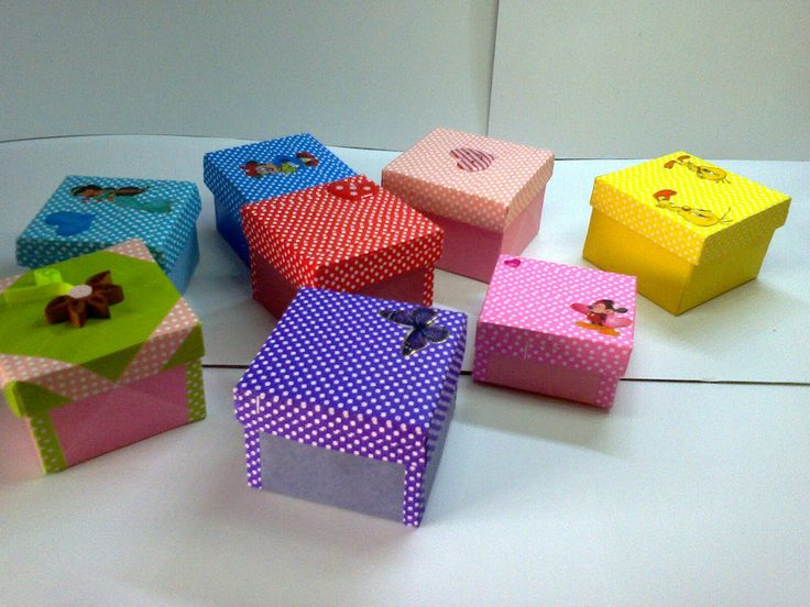 This are miniature gift  boxes  made with color papers
