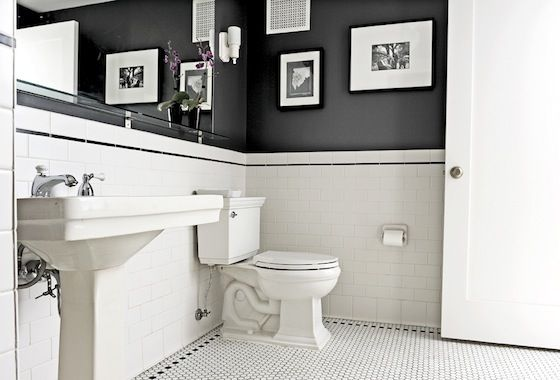 Classic monochrome bathroom.