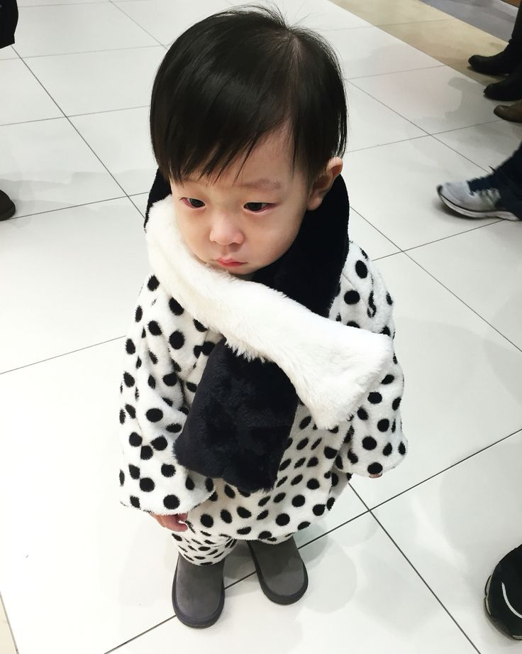 baby cute fashion black and white dot.