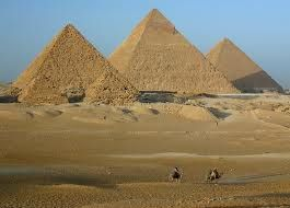Een herenhuis met luipaard tanden bij de piramides in Gizeh