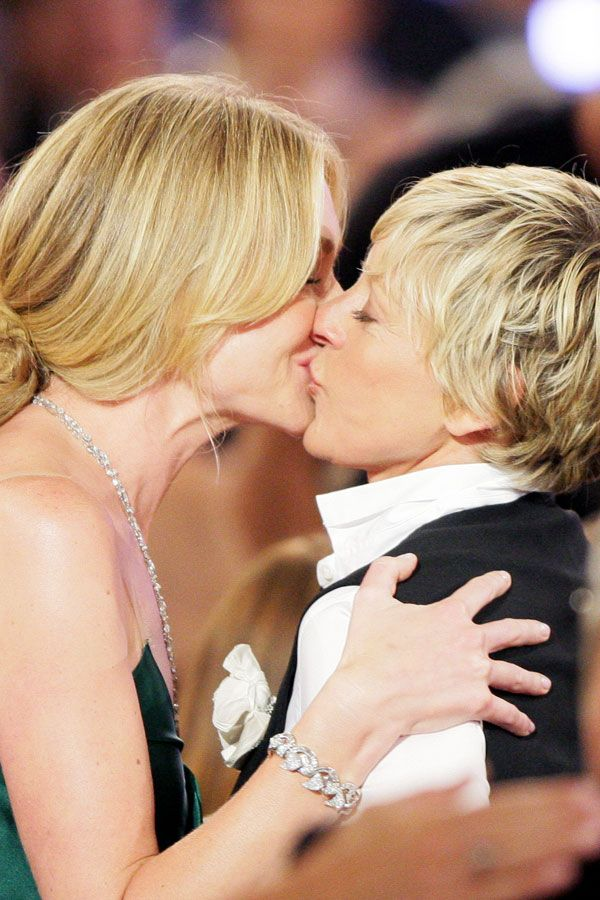 The Best Red Carpet Kisses, Ever #refinery29 http://www.refinery29.com/red-carpet-kisses#slide1 Ellen DeGeneres and Portia de Rossi share a smooch at the Emmys.