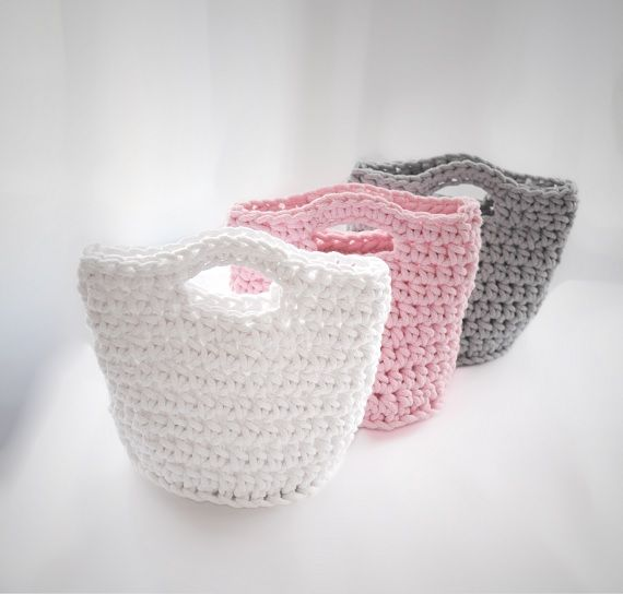 Cotton baskets, 100% handmade. Designed by Pracownia Lollipop. Order here: https://www.facebook.com/PALollipop