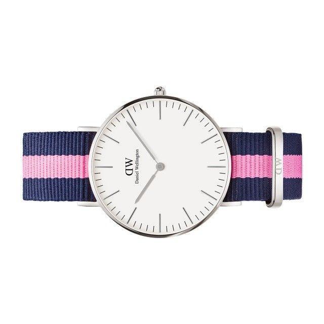 Orologio da donna Classic Winchester firmato da Daniel Wellington, con cinturino navi colore blu e rosa. Un classico sportivo per donne moderne in vendita on line sul nostro shop.