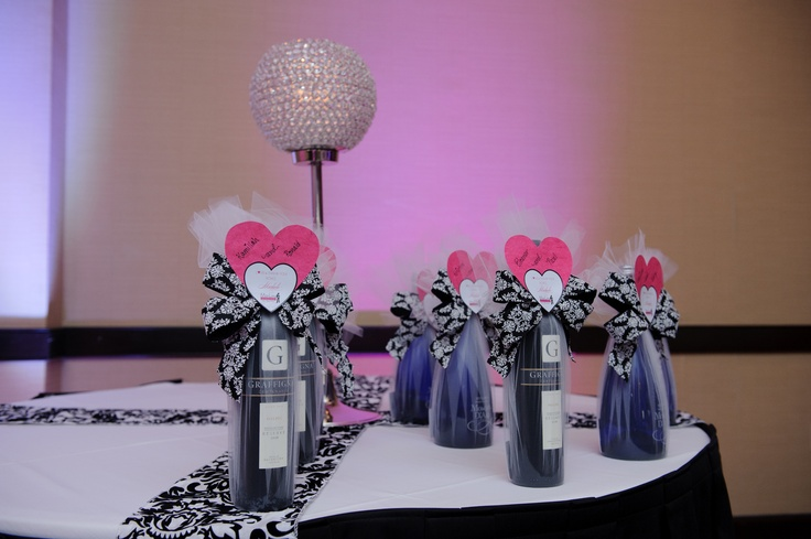 Thank you to my right hand girl, Michelle Leandado for helping me decorate my bride and grooms gifts.