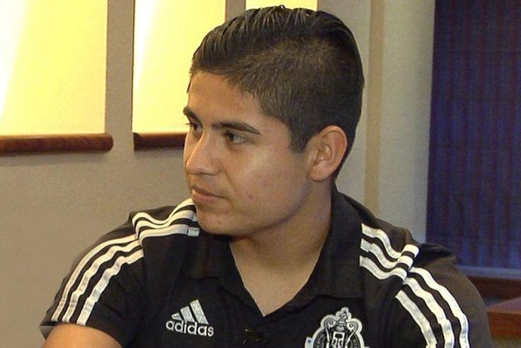 'CHOFIS' LÓPEZ SE INSPIRA CON VIDEOS DE MESSI La joya de las Chivas, Eduardo López, compartió que no le gusta hablar mucho ante las cámaras y llegar algún día a la Selección Mexicana.