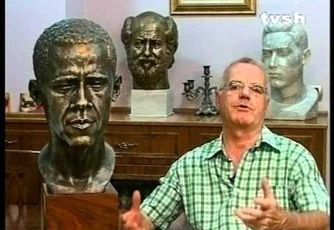 Skulptori Arifi, në përfundim e sipër të portretit të presidentit Obama