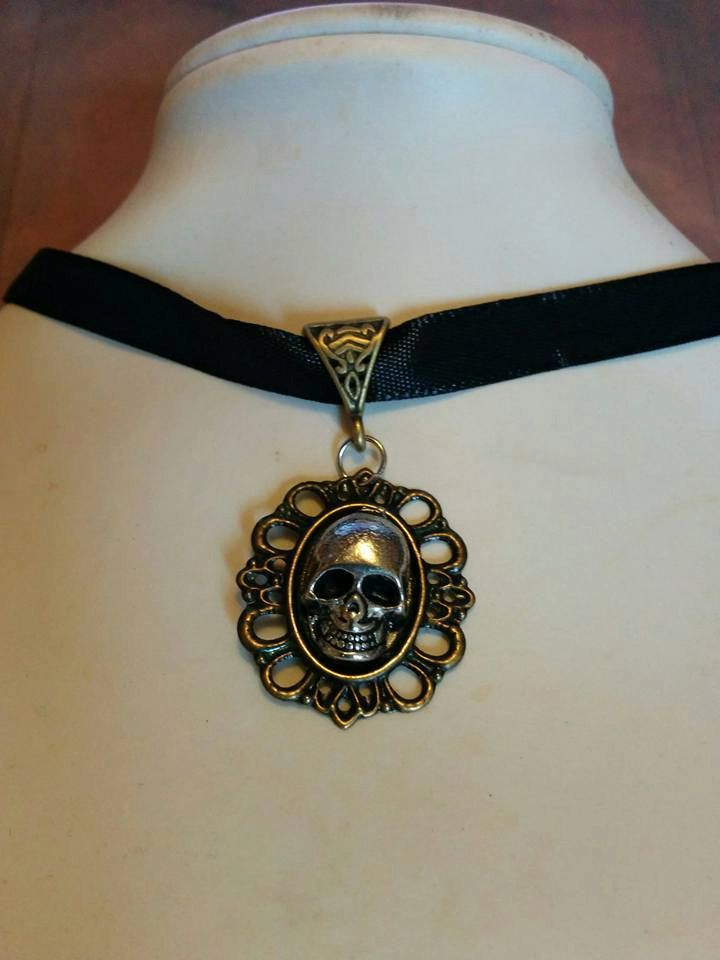 Black & Silver 3d Skull Choker - jewelry - goth - steam punk - silk choker - choker necklace - jewellery - vintage - antique - wicca - gift by Blackrose37 on Etsy