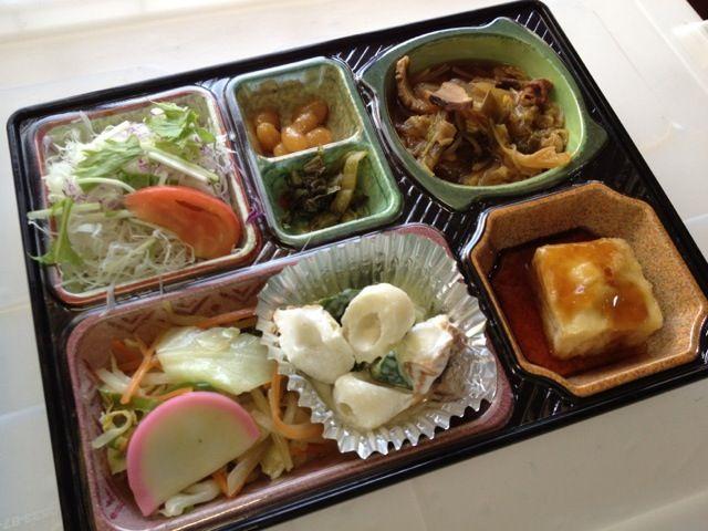 豚肉のすき焼き煮 揚げ出し豆腐 ちくわとキュウリのピリ辛マヨネーズ サラダ、漬け物他 - 4件のもぐもぐ - かまぼこ入り野菜炒め by kurita820