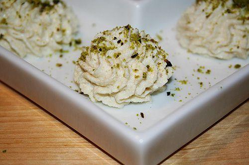 Il baccaà mantecato: uno di quei piatti che non preparo spesso, ma di cui ogni tanto mi pigliano crisi di astinenza.