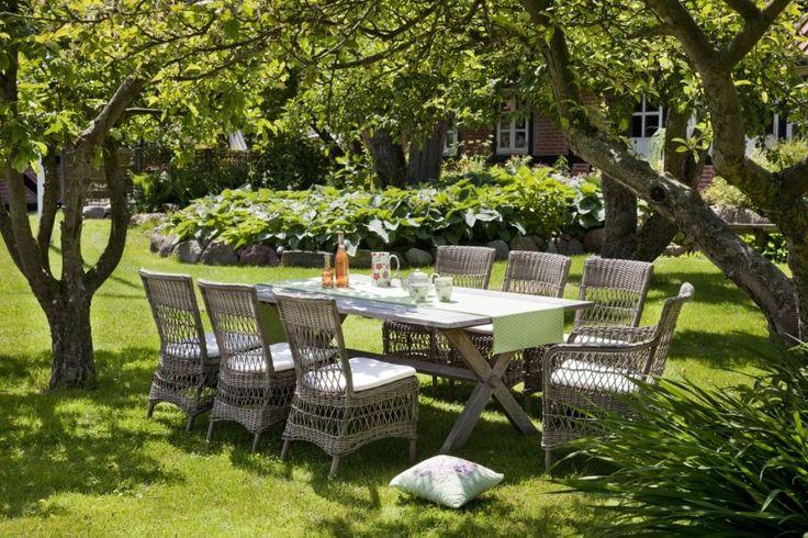 Meble ogrodowe. Krzesła Marie i stół Teak COLONIAL. Georgia Garden.