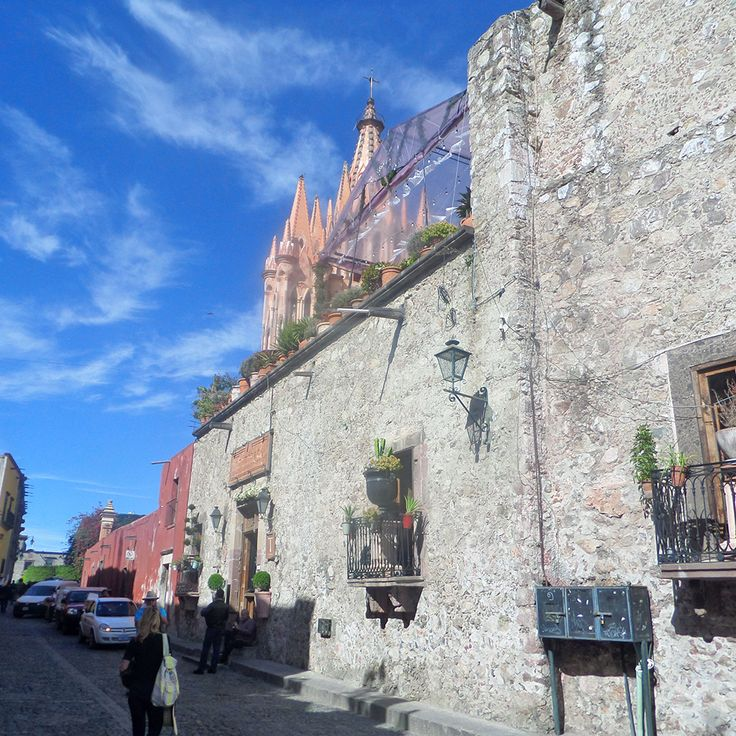 Visit San Miguel de Allende in your next vacations and ook a room at Mansion San Miguel