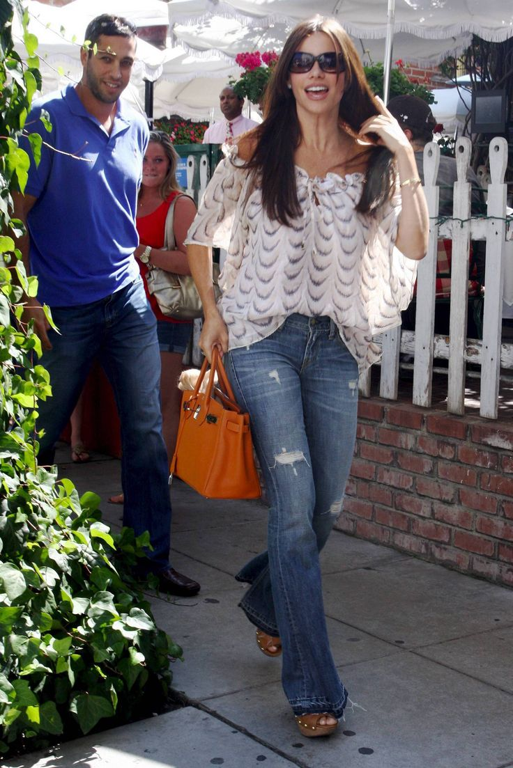 sofia+vergara+jeans | Sofia Vergara in Work Custom — Celebrity Style by DenimDebutante.com