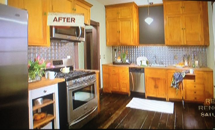 Nicole curtis kitchen design hgtv property brothers for Cheap kitchen cabinets seattle