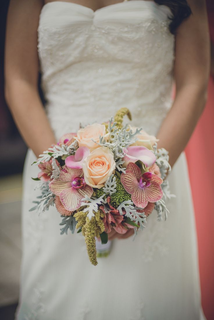 Bridal boquet. Photo by Monica Tarocco