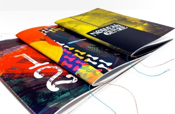 Coffret composé de 4 livrets avec Couture Singer (Singer sewn binding) Par operaprint.com